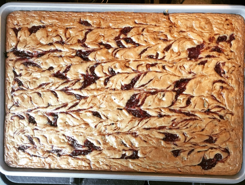 jam swirled blondies