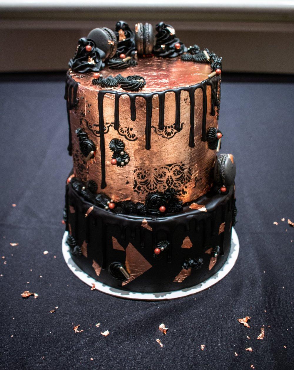 gisela cake rose gold black sweet 16